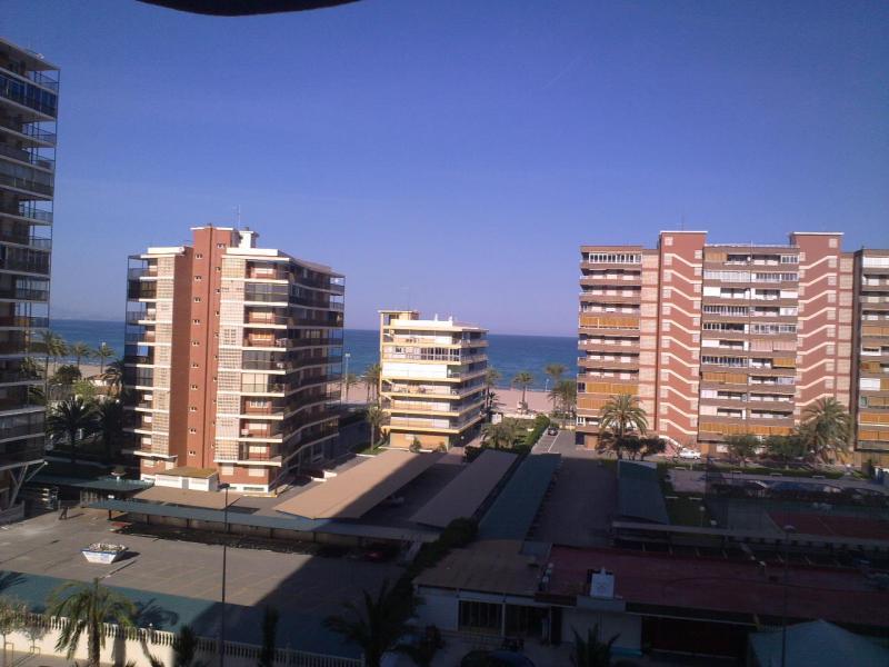 Piso en alquiler de temporada en calle Costablanca, Playa de San Juan - 109599256