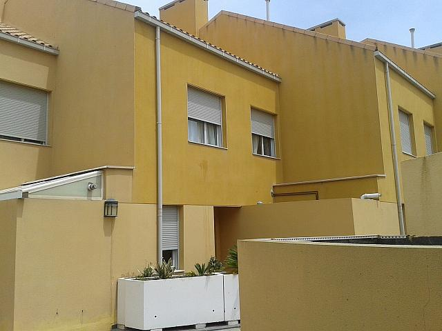 Bungalow en alquiler de temporada en calle Clara Campoamor, Playa de San Juan - 137935470