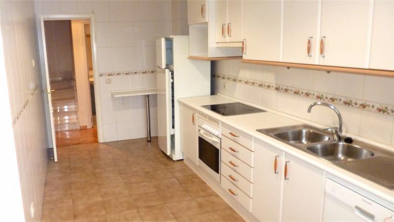 Cocina - Dúplex en alquiler en calle Santa Fe, Zona Estación en Pozuelo de Alarcón - 112004037