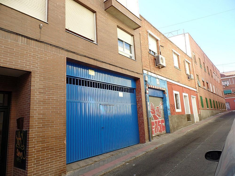 Local comercial en alquiler en calle Peñafiel, San Isidro en Madrid - 329583265