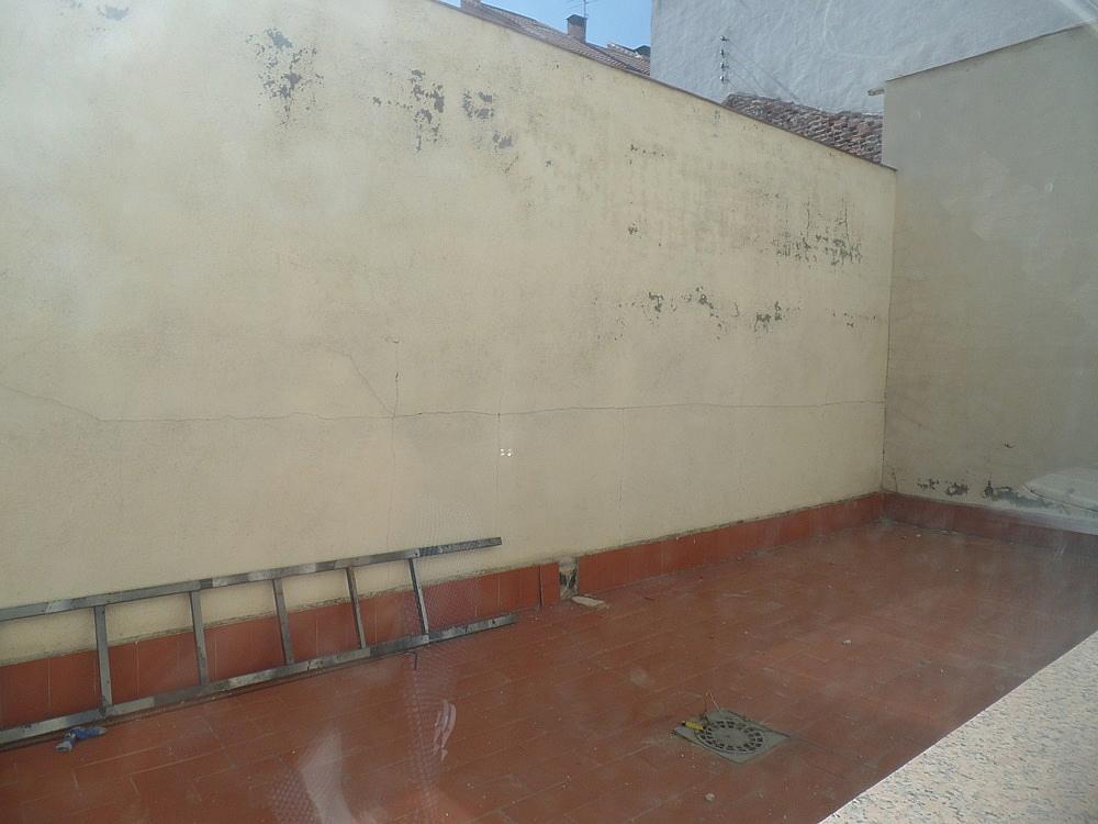 Local comercial en alquiler en calle Peñafiel, San Isidro en Madrid - 329583285