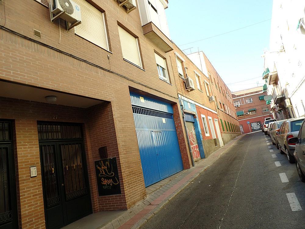 Local comercial en alquiler en calle Peñafiel, San Isidro en Madrid - 329583286