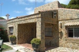 Chalet en alquiler en calle Sirena, La Barrosa en Chiclana de la Frontera - 57008439