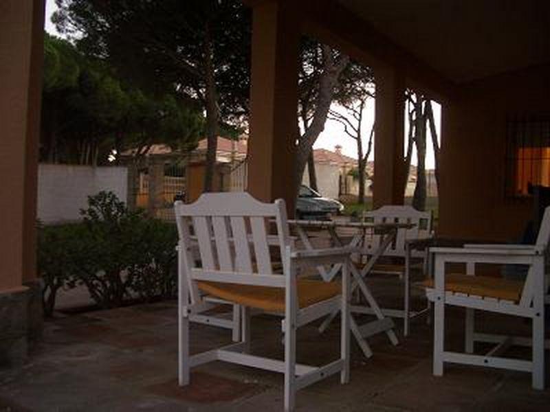 Chalet en alquiler en urbanización La Barrosa, La Barrosa en Chiclana de la Frontera - 57009243