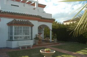 Chalet en alquiler en urbanización Los Gallos, El Lugar en Chiclana de la Frontera - 57010344