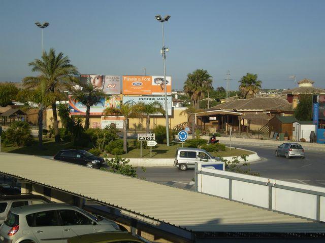 Local comercial en alquiler en urbanización Los Gallos, El Lugar en Chiclana de la Frontera - 57935937