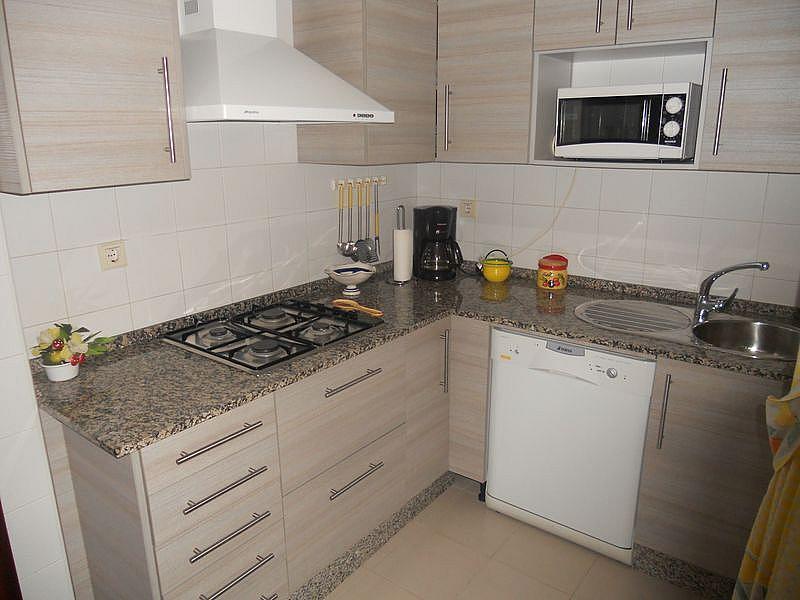 Cocina - Dúplex en alquiler de temporada en urbanización La Balconera, La Barrosa en Chiclana de la Frontera - 171384978
