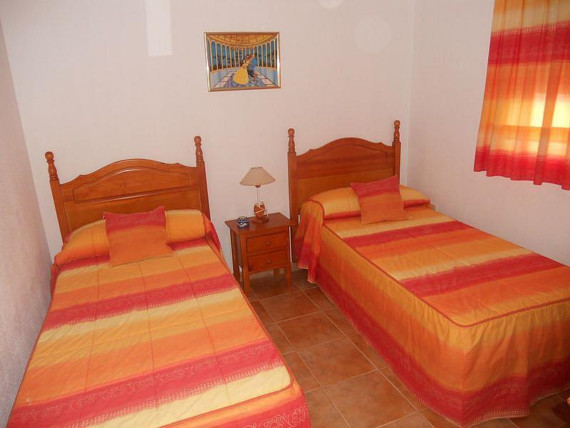 Dormitorio - Dúplex en alquiler de temporada en urbanización La Balconera, La Barrosa en Chiclana de la Frontera - 171385054