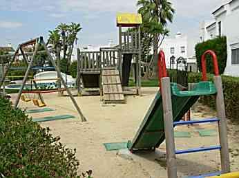 Dúplex en alquiler de temporada en urbanización Real de la Barrosa, El Lugar en Chiclana de la Frontera - 84869927