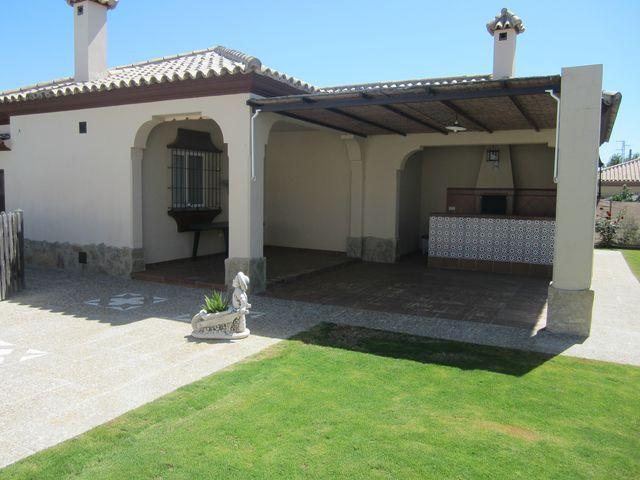 Chalet en alquiler en urbanización Las Quintas, La Barrosa en Chiclana de la Frontera - 117485795