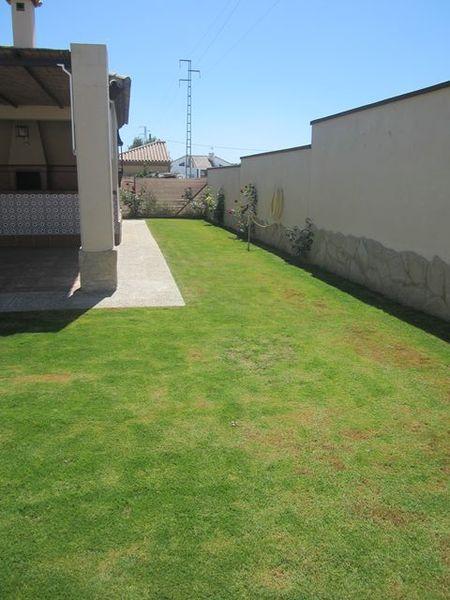 Chalet en alquiler en urbanización Las Quintas, La Barrosa en Chiclana de la Frontera - 117485797