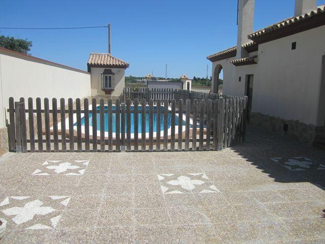 Chalet en alquiler en urbanización Las Quintas, La Barrosa en Chiclana de la Frontera - 117485798