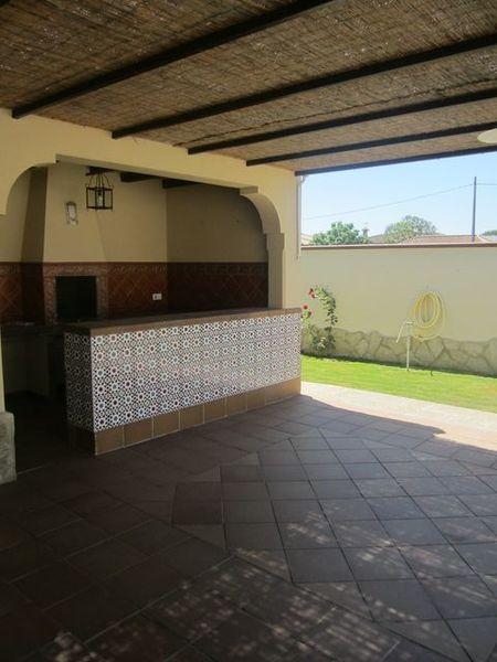 Chalet en alquiler en urbanización Las Quintas, La Barrosa en Chiclana de la Frontera - 117485825