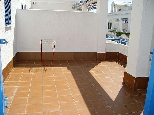 Apartamento en alquiler en calle Caracolillo, La Barrosa en Chiclana de la Frontera - 130044517