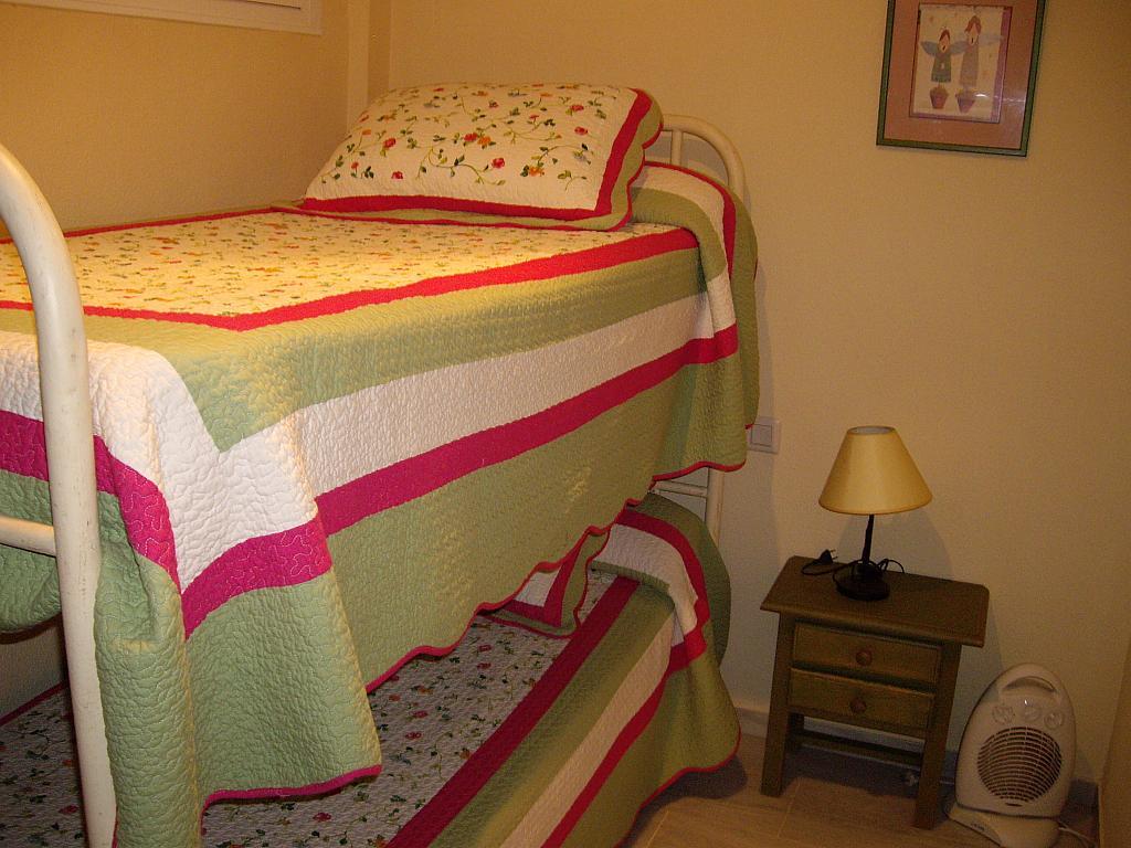 Apartamento en alquiler en calle Caracolillo, La Barrosa en Chiclana de la Frontera - 130045121