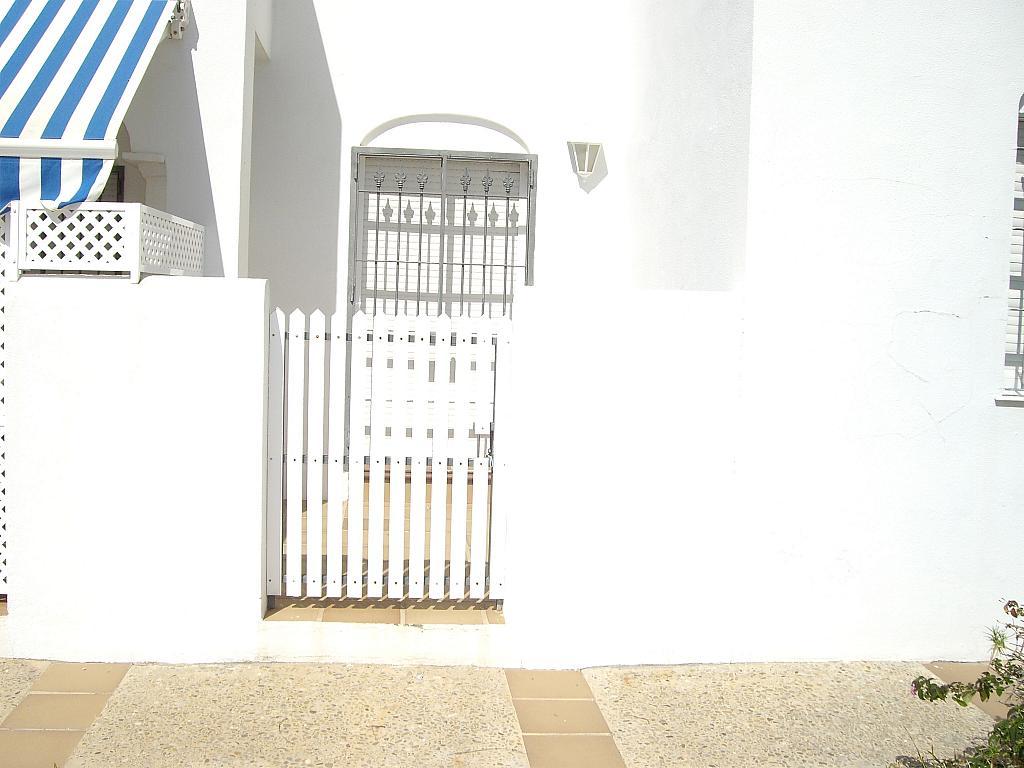 Apartamento en alquiler en calle Caracolillo, La Barrosa en Chiclana de la Frontera - 130045237