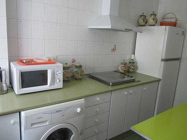 Cocina - Apartamento en alquiler en calle La Barrosa, La Barrosa en Chiclana de la Frontera - 170860257
