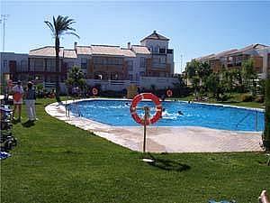Piscina - Apartamento en alquiler en urbanización Aldea del Coto, La Barrosa en Chiclana de la Frontera - 171573134