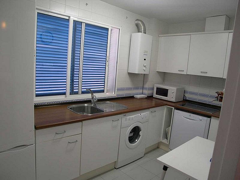 Cocina - Apartamento en alquiler en urbanización Almadraba, El Lugar en Chiclana de la Frontera - 171574474