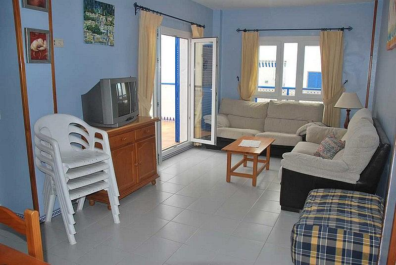 Salón - Apartamento en alquiler en urbanización Almadraba, El Lugar en Chiclana de la Frontera - 171574522