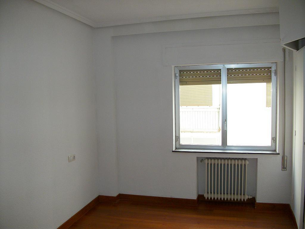 Piso en alquiler en calle Correhuela, Centro en Salamanca - 266039183