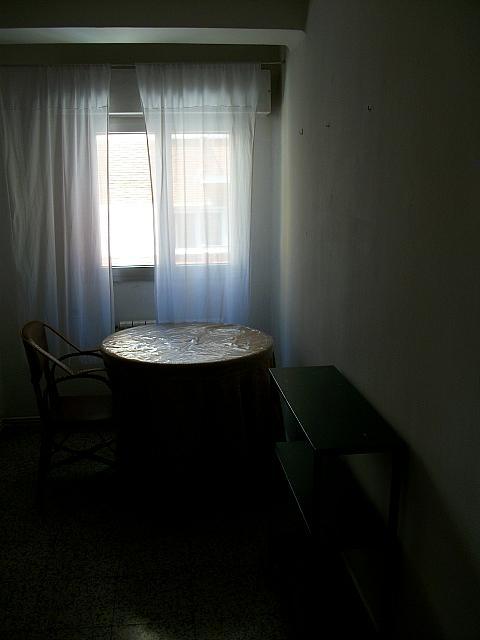 Piso en alquiler en calle Nieto Bonal, Carmelitas Oeste en Salamanca - 148622722