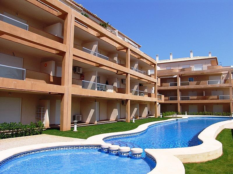 Piscina - Apartamento en alquiler de temporada en carretera Las Marinas, Las Marinas - Les Marines  en Dénia - 200886870