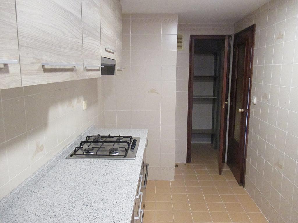 Piso en alquiler en calle Polo y Peyrolon, Mestalla en Valencia - 333470047