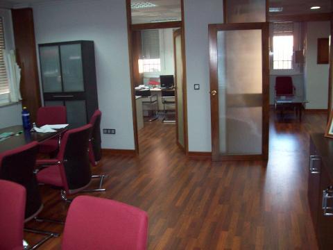 Oficina en alquiler en Distrito Sur en Sevilla - 17384313
