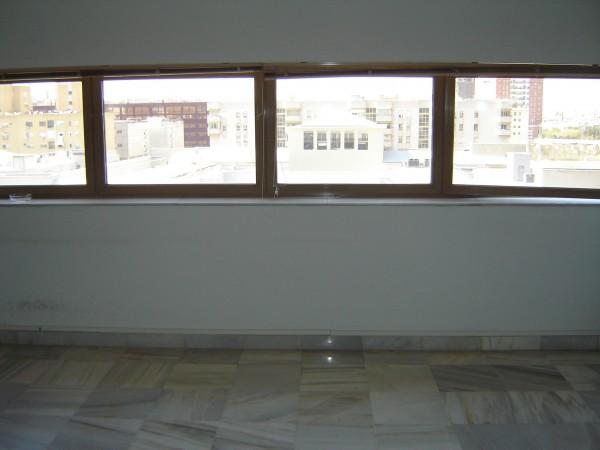 Oficina en alquiler en Nervión en Sevilla - 14266032