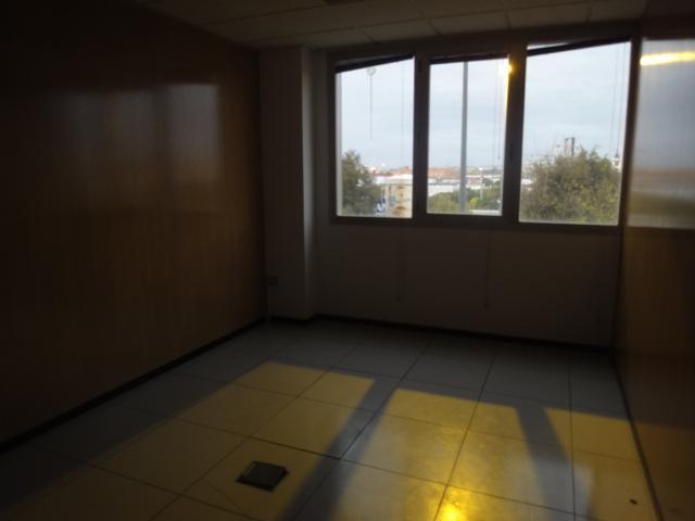 Oficina en alquiler en Los Bermejales en Sevilla - 57105230