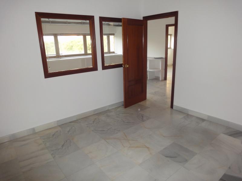 Oficina en alquiler en Nervión en Sevilla - 57105323