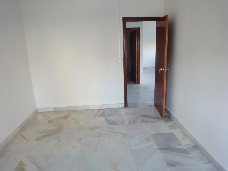 Oficina en alquiler en Nervión en Sevilla - 57105334