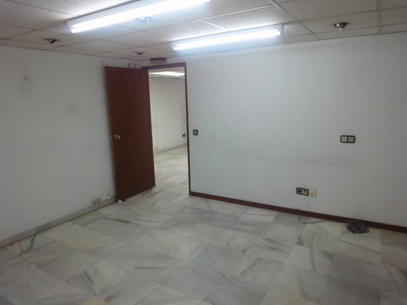 Detalles - Oficina en alquiler en Casco Antiguo en Sevilla - 70230413