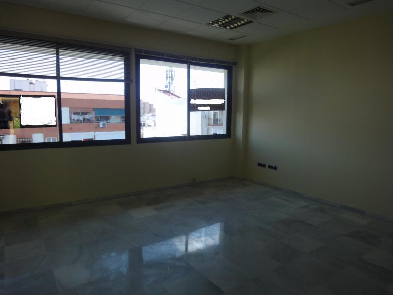 Detalles - Oficina en alquiler en Cerro - Amate en Sevilla - 71524321
