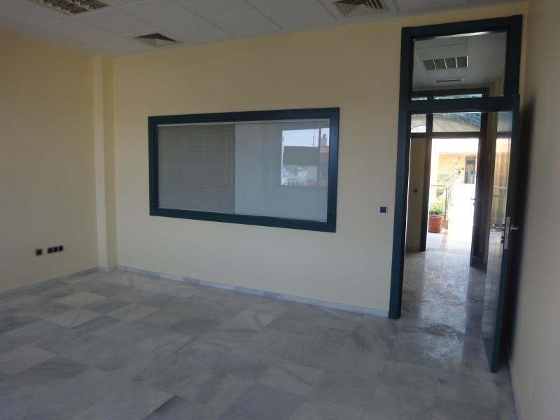 Detalles - Oficina en alquiler en Cerro - Amate en Sevilla - 71524345