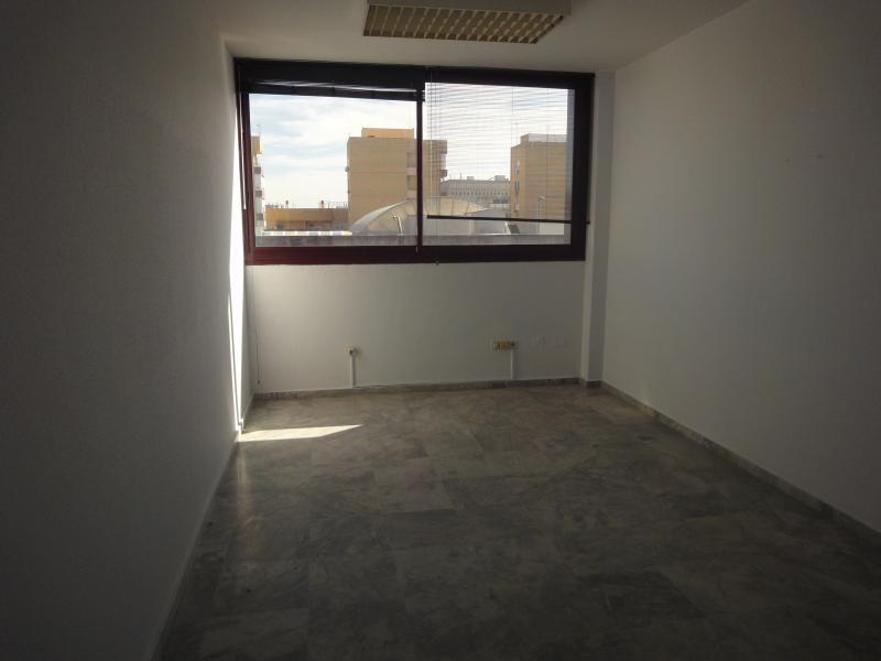 Detalles - Oficina en alquiler en Nervión en Sevilla - 72124984
