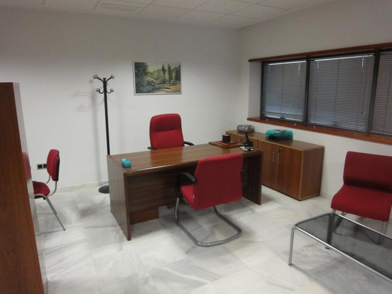 Detalles - Oficina en alquiler en Dos Hermanas - 116754884