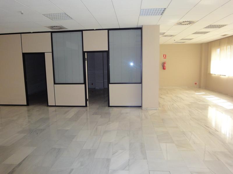 Detalles - Oficina en alquiler en Nervión en Sevilla - 120080476