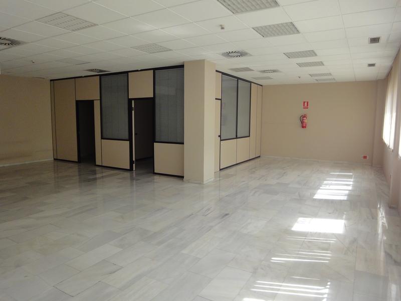 Detalles - Oficina en alquiler en Nervión en Sevilla - 120080478