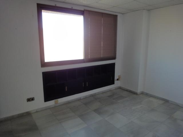 Detalles - Oficina en alquiler en Nervión en Sevilla - 120083863