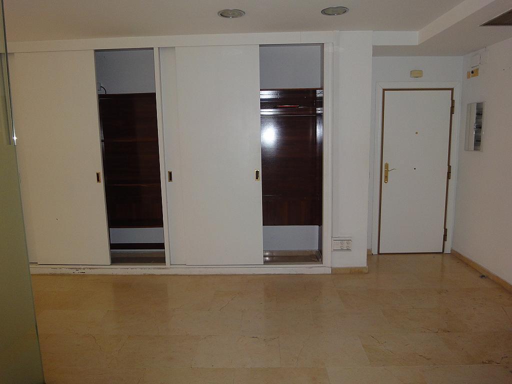 Oficina en alquiler en Los Remedios en Sevilla - 128839999