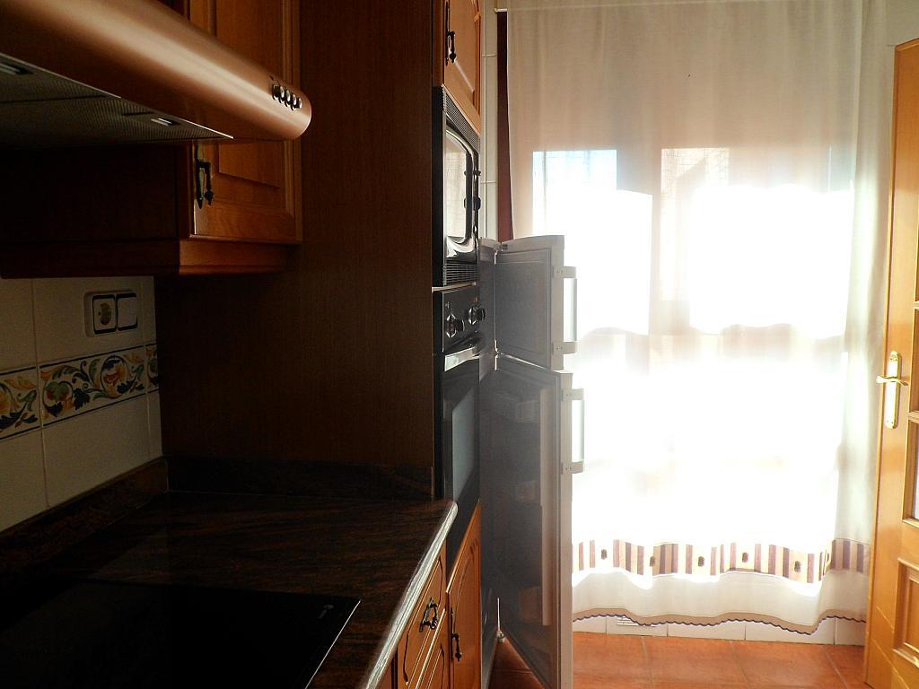 Piso en alquiler en calle Guardia Civil, Ciudad Universitària en Valencia - 227927702