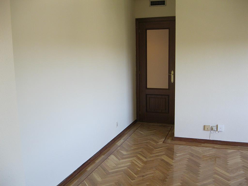 Salón - Piso en alquiler en calle Federico Moreno Torroba, Pacífico en Madrid - 278573235