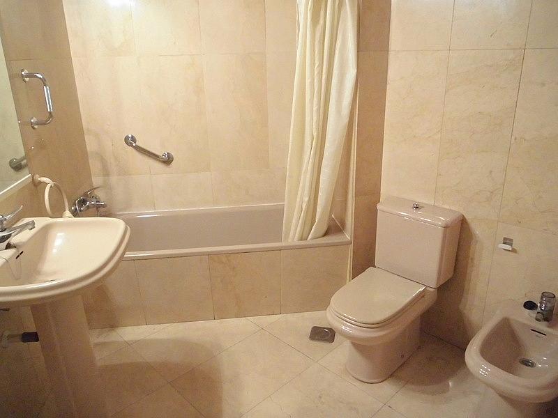 Baño - Piso en alquiler en calle Federico Moreno Torroba, Pacífico en Madrid - 280656810