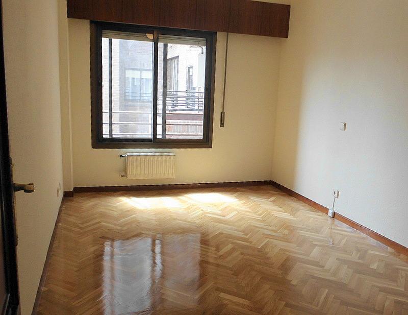 Dormitorio - Piso en alquiler en calle Federico Moreno Torroba, Pacífico en Madrid - 280656821