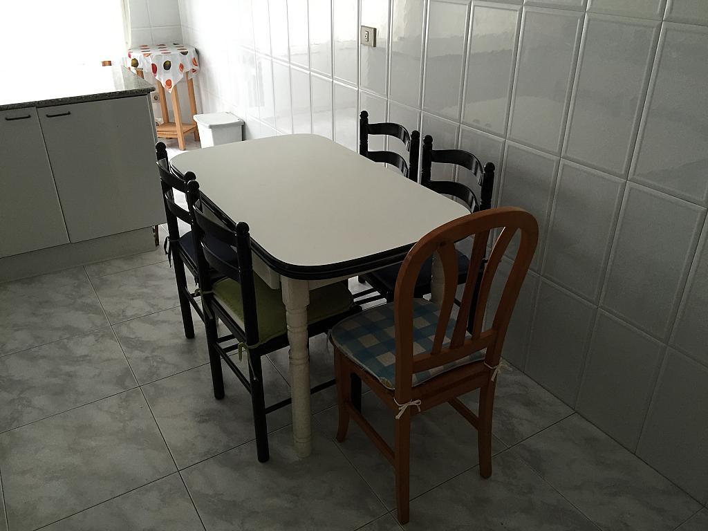 Piso en alquiler en calle Ángel del Castillo López, Arteixo - 272271413