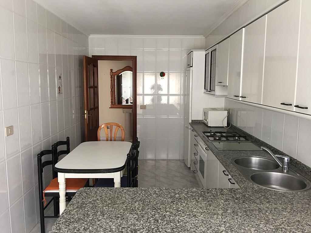 Piso en alquiler en calle Ángel del Castillo López, Arteixo - 272271429