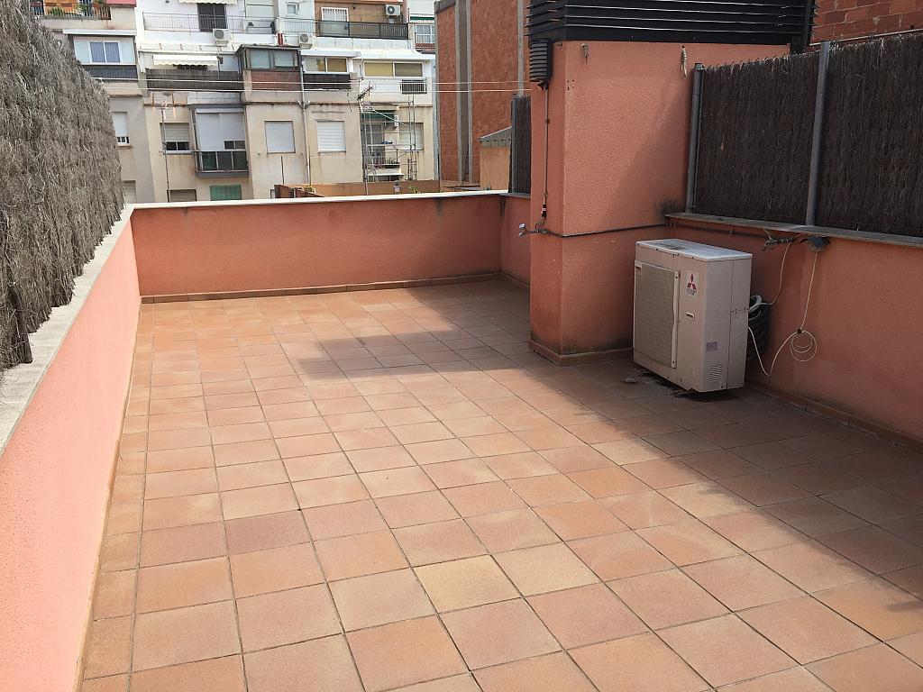 Casa en alquiler en calle Arnau, Vilapicina i la Torre Llobeta en Barcelona - 323041206