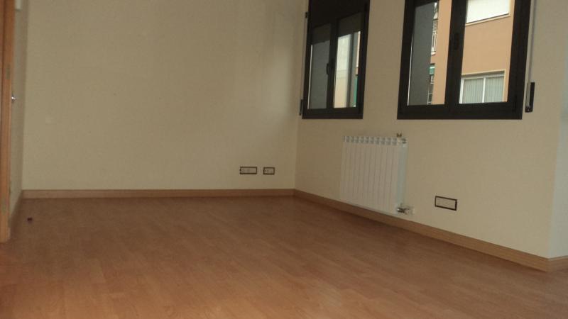Piso en alquiler en calle Poblet, Sant Ramon-La Maternitat en Barcelona - 104659256
